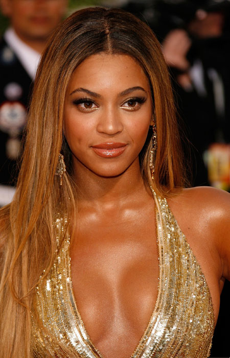 18825_beyonce__64th_annual_golden_globe_awards_011507_9_122_451lo1.jpg