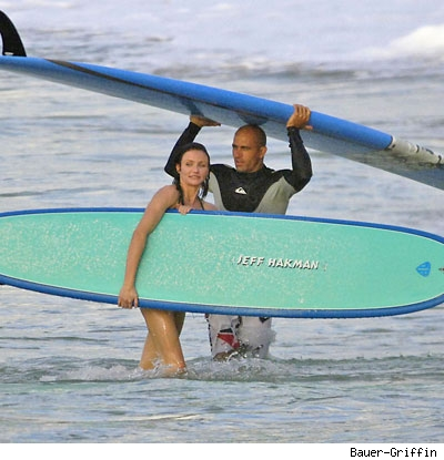 30119_diaz_slater_surf_baue.jpg