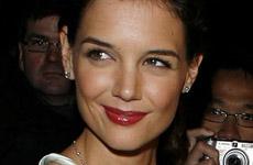 Katie Holmes rechaza Batman Begins 2
