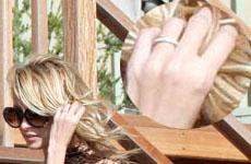 Nicole  y Joel  comprometidos?