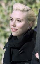 scarlett_johansson_at_hasty_pudding_woman_of_the_year1.jpg