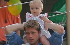 Brad Pitt y Shiloh… Qué ternura!