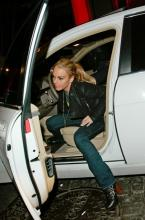 lindsay_lohan_is_accused_of_running_over_a_photographer_in_new_york_2.jpg