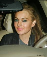 lindsay_lohan_is_accused_of_running_over_a_photographer_in_new_york_5.jpg