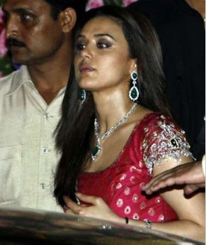 aishwarya_wedding_farandulista000316.jpg