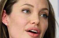 Angelina Jolie esta enferma? Updated!