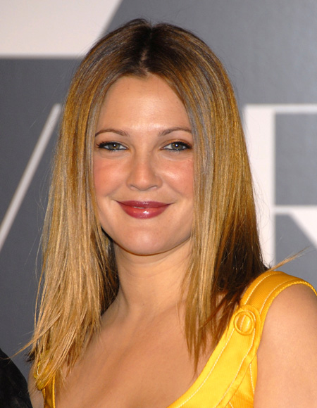 drew_barrymore_new_face_of_covergirl_cosmetics_02_farandulista.jpg