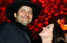 Rodriguez niega romance con Rose McGowan