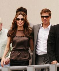 angelina_jolie_a_mighty_heart_photocall_at_cannes_film_festival_farandulista_05.jpg