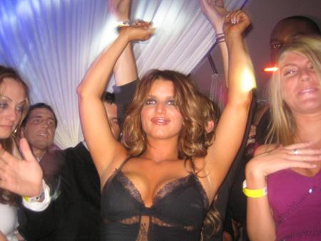 jessica_simpson_dancing_at_pure_nightclub_01_farandulista.jpg