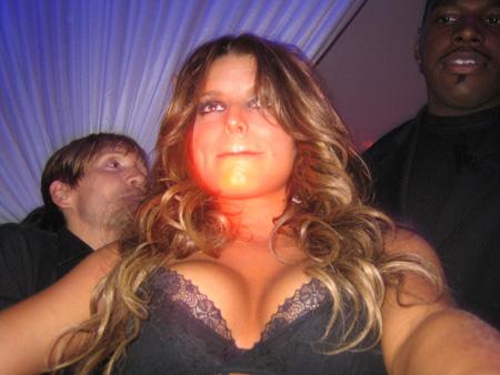 jessica_simpson_dancing_at_pure_nightclub_03_farandulista.jpg