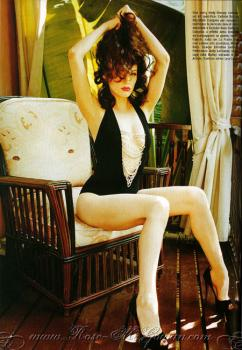 rose_mcgowan_vogue_farandulista_02.jpg