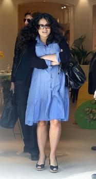 salma_bigger_shopping_luxury.jpg