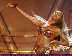 beyonce_bet_awards_performance_06_farandulista.jpg