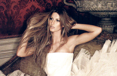 Gisele Bundchen does Bazaar Magazine