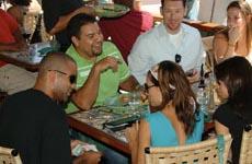 El almuerzo intimo de Eva y Tony Parker con sus amigos