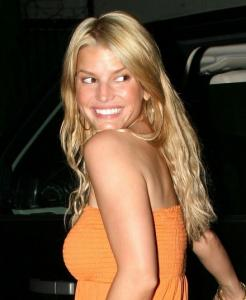jessica_simpson_orange_farandulista_03.jpg