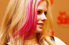 Avril Lavigne disfruta correr desnuda…
