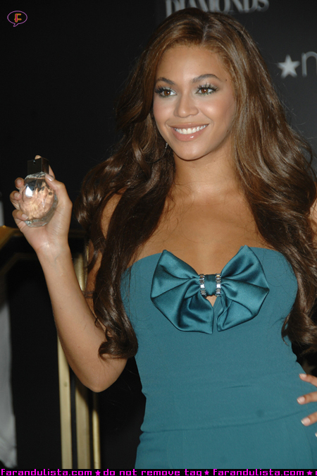 beyonce_emporio_armani_diamonds_launch_01.jpg