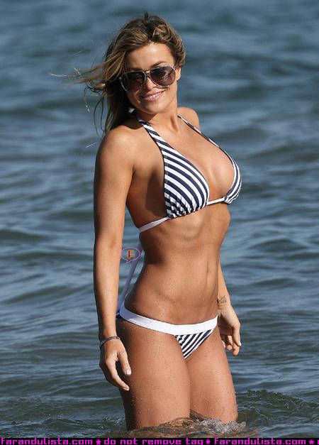carmen_electra_beach_bikini_02.jpg