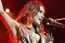 Hilary Duff muestra sus piernas en Las Vegas