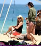 jennifer_aniston_courteney_cox_hawaii_04.JPG