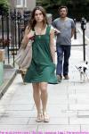 keira_knightley_walking_in_london_02.jpg