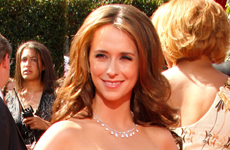 Jennifer L Hewitt 59th Primetime Emmy Awards 2007 – Red Carpet