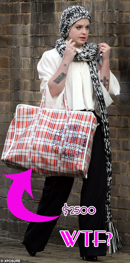 kelly-osbourne-and-shopping-bag.jpg