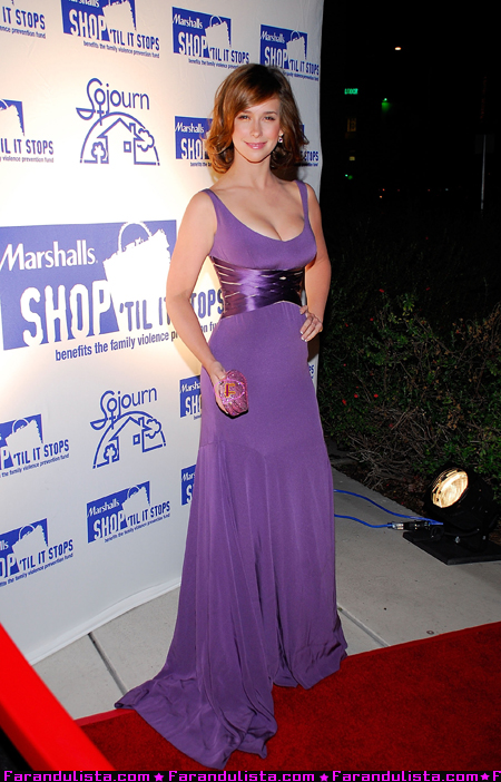 jennifer_love_hewitt-30th_annual_sojourn_shelter_services_anniversary_gala_02.jpg