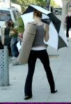 jessica-biel-with-an-umbrella-leaving-yoga-class-santa-monica-01.jpg