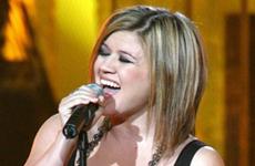 Kelly Clarkson y sus errores al vestirse