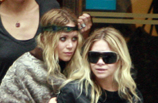 Ashley y Mary-Kate Olsen de compras en Paris