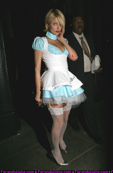 paris_hilton_at_the_halloween_party_in_beverly_hills_27oct07_01.jpg