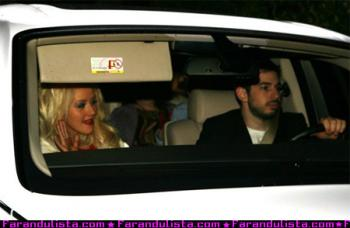 christina-aguilera-baby-shower-02.jpg