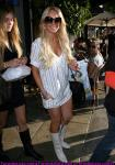 lindsay-lohan-shopping-hollywood-02.jpg