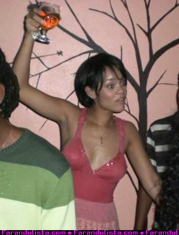 rihanna-partying-barbados-02.jpg