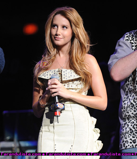 ashley-tisdale-new-nose-03.jpg
