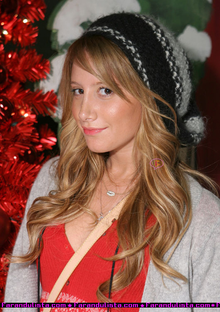 ashley-tisdale-winter-wonderland-event-03.jpg