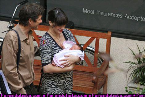 milla-jovovich-and-family.jpg