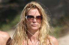 Nicollette Sheridan a sus 44 luce HOT en bikini
