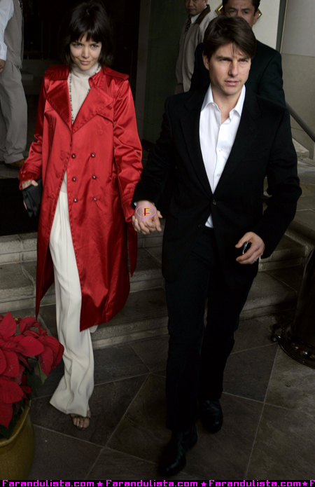 tom-cruise-katie-holmes-leaving-the-l-ermitage-hotel-beverly-hills-01.jpg