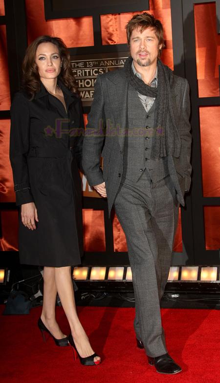 angelina-jolie-brad-pitt-critics-choice-awards-2008-01.jpg