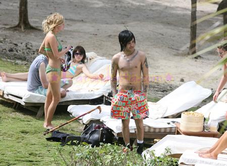 ashlee-simpson-bikini-pictures-04.jpg