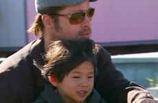 Brad Pitt paseando con Pax – Sunday Gossip Links