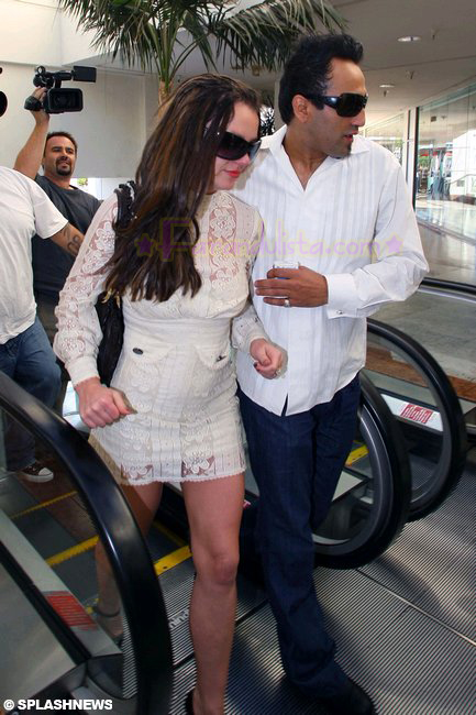 britney-spears-courtday-07.jpg