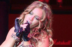 Hilary Duff niega lip-sync en los conciertos