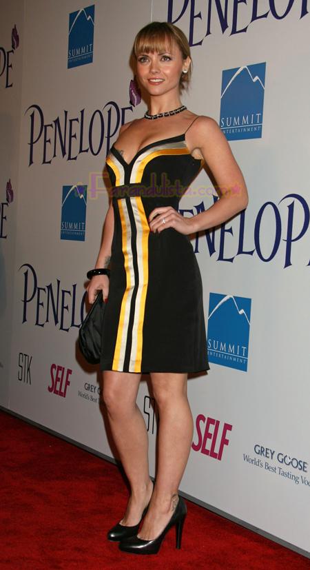 christina-ricci-penelope-premier-los-angeles-04.jpg
