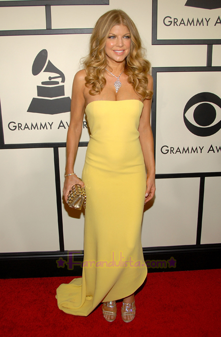fergie_50th_annual_grammy_awards_arrival_01.jpg