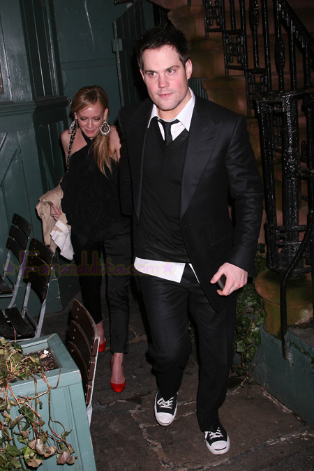 hilary_duff_and_mike_comrie_at_the_waverly_inn_01.jpg